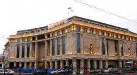 Сколько торговых центров нужно Москве и Петербургу
