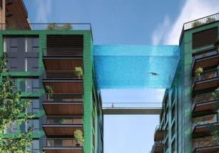 В британской столице появился подвесной бассейн