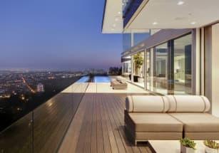 Мэттью Перри продал жилье в Лос-Анджелесе